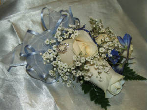 moreprom/corsage64.jpg